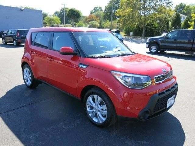 the kia soul from your kia dealer near norwich is a top safety pick for 2015 groton kia dealer. Black Bedroom Furniture Sets. Home Design Ideas